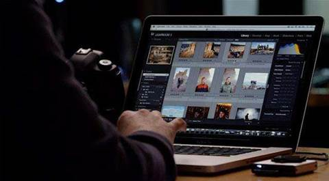 Charles Sturt University has free online Photoshop training