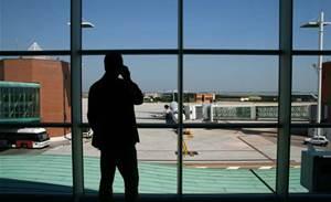 Aussies dodge US mobile device flight bans