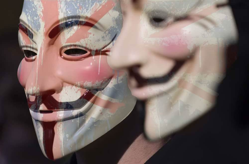 Anonymous doxes English Defence League