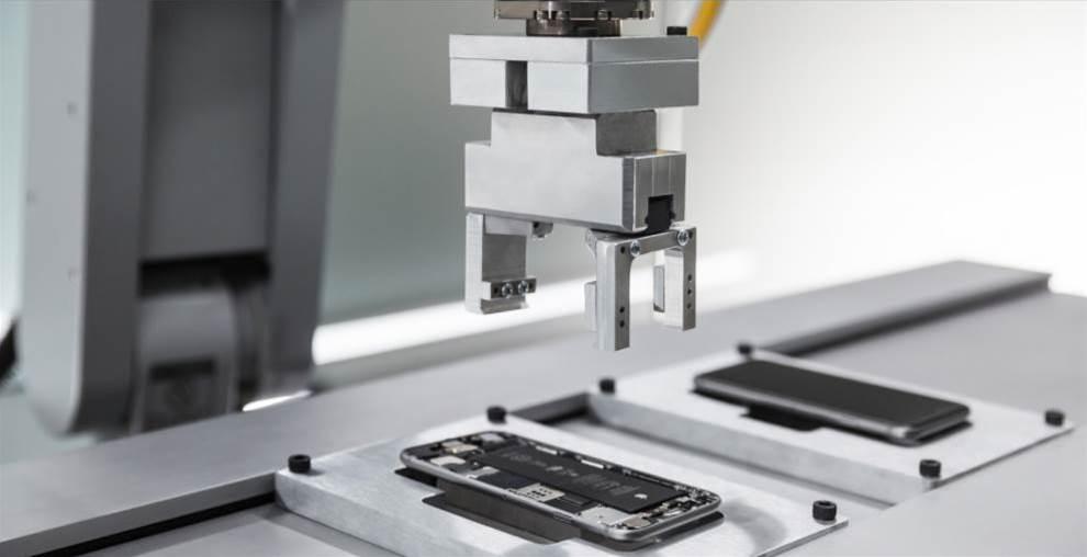 Apple's Liam robots break down 1.2m iPhones a year