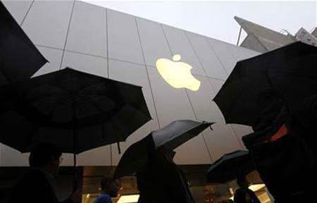 Google, Apple CEOs in talks on patent issues