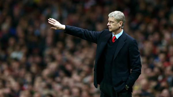 Arsenal humble Norwich to go two point clear