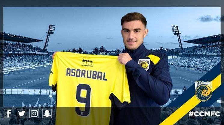 Mariners sign a Spanish No.9