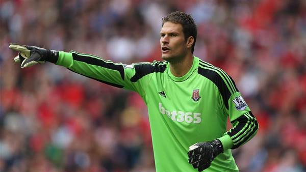Coates determined to hold onto Begovic