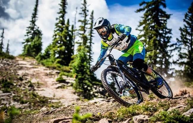 First Ride: 2018 Devinci Spartan