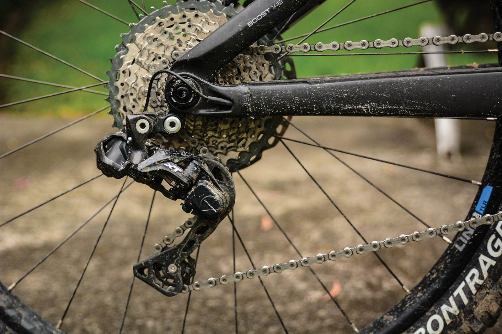 REVIEW: Shimano Deore XT Mechanical vs Di2