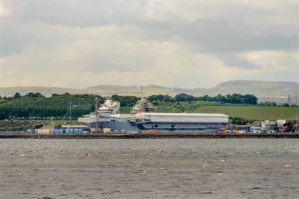 HMS Queen Elizabeth 'runs on vulnerable Windows XP'