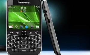 RIM offers cash rebate for BlackBerry 7 upgrades