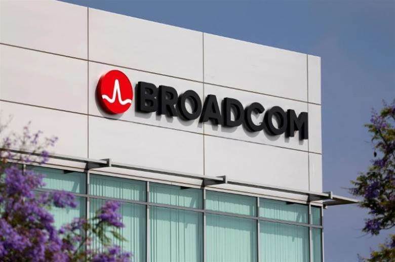 Broadcom in talks to buy Brocade
