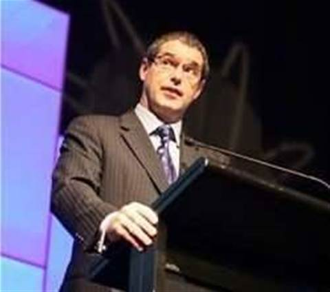 Conroy plays down Telstra LTE threat to NBN