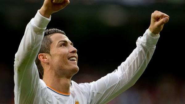 Ronaldo shrugs off Ballon d'Or talk