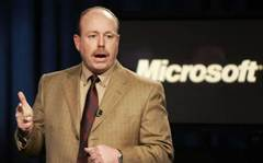 Microsoft tries to keep top execs from leaving