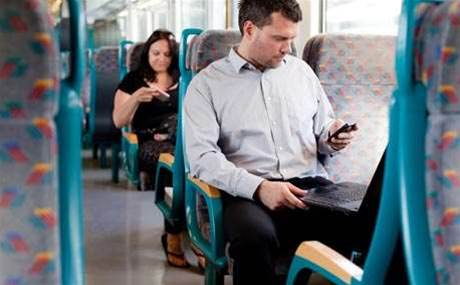 Perth asks ISPs to set up public transport wi-fi for free