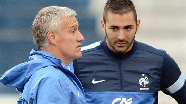 Deschamps hits out at Benzema criticism
