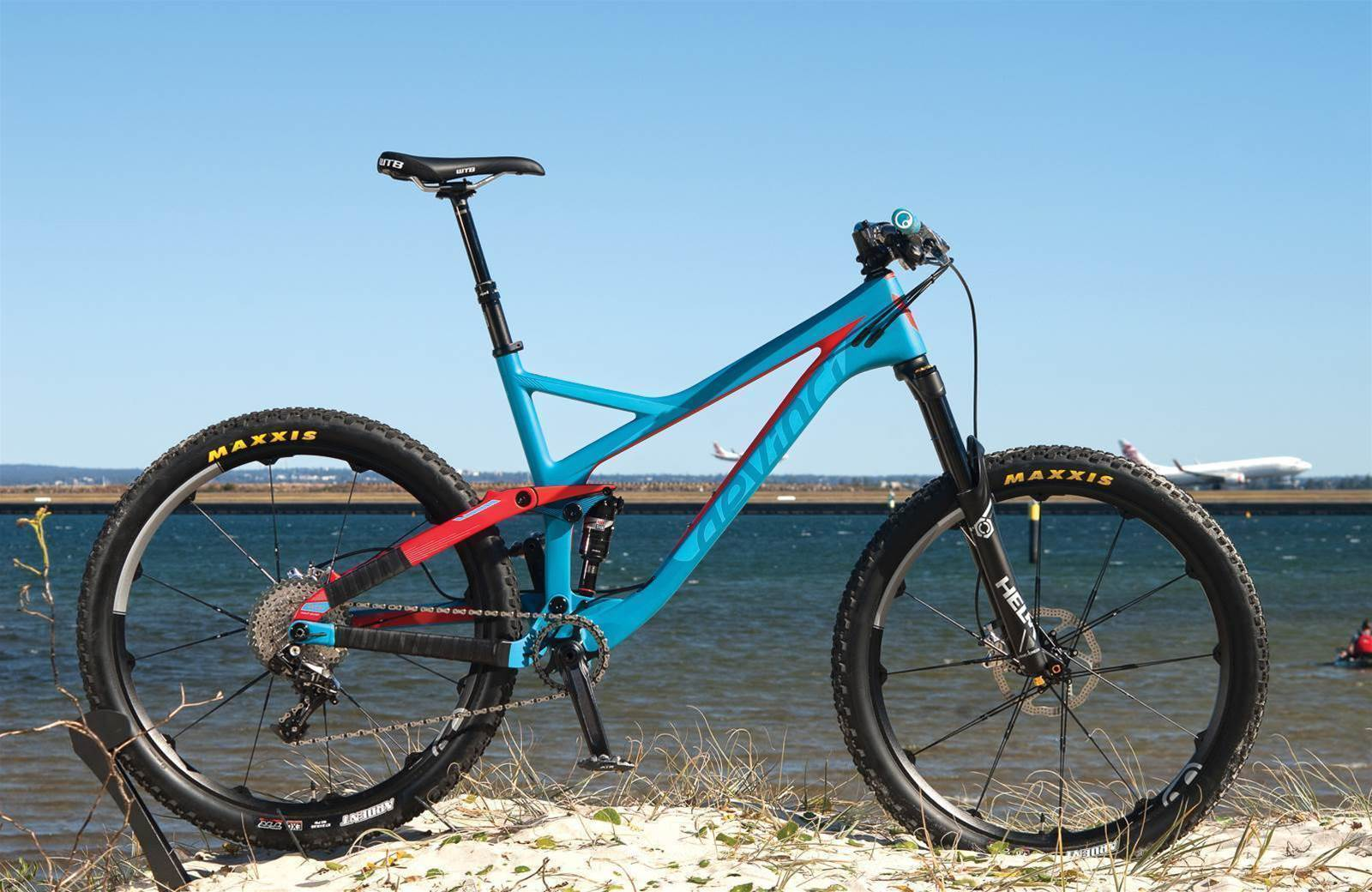 TESTED: Devinci Django Carbon 27.5