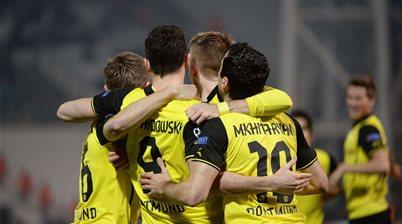 Dortmund clinch top spot with Marseille win