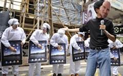 Foxconn denies mass worker strike