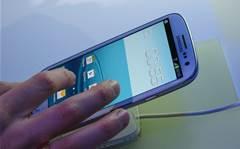 Samsung Galaxy SIII: In the hand