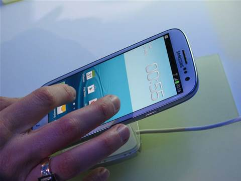 Samsung Galaxy SIII: In the hand