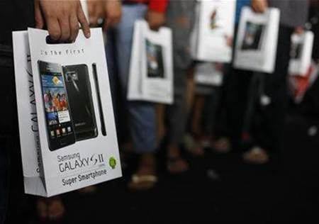 Apple seeks quick bans on eight Samsung phones