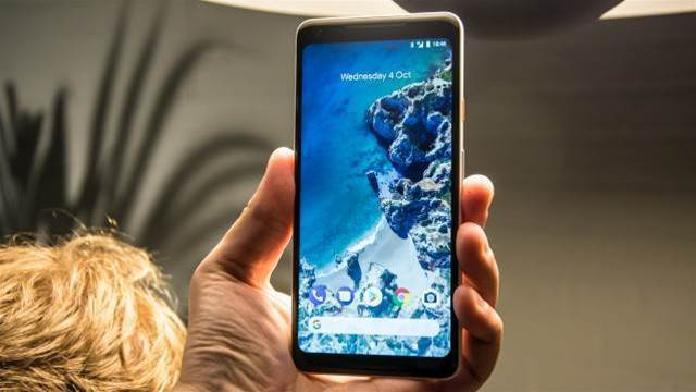 Hands-on with the Google Pixel 2 and Pixel 2 XL