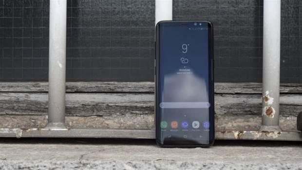 Head2Head: Google Pixel vs Samsung Galaxy S8