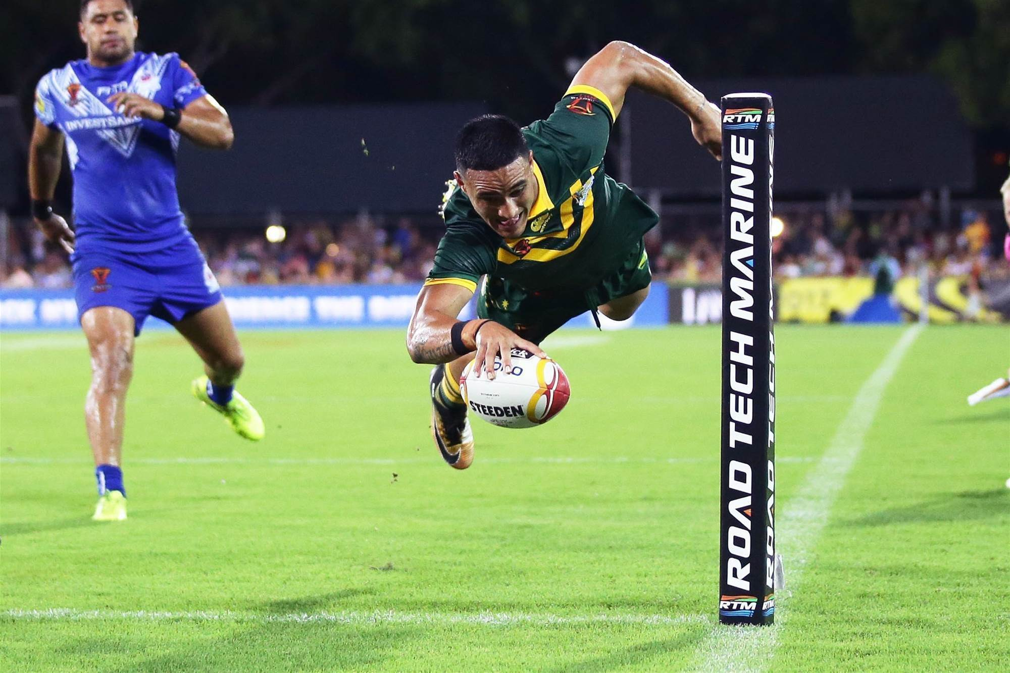 Holmes stars in record five-try haul