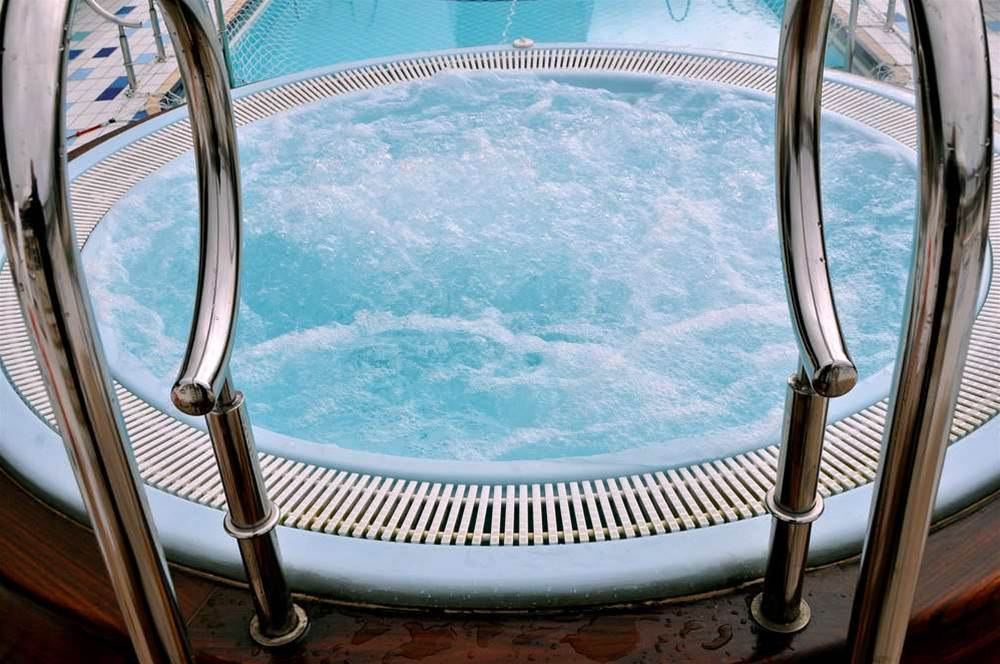 Apple, Samsung lawyers engage in 'hot tubbing'