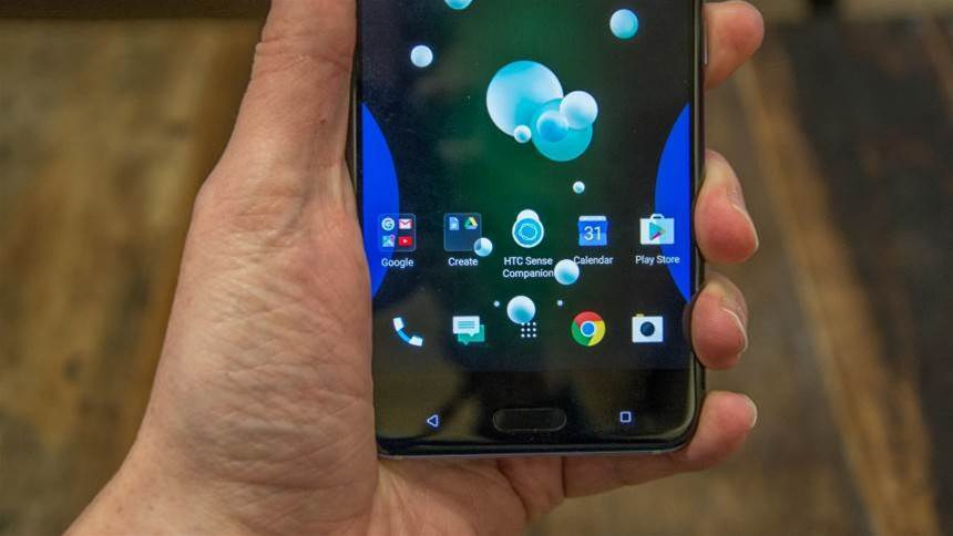 HTC U11 hands-on: the squeezy smartphone