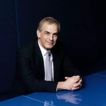 Hugh Bradlow to leave Telstra after 22 years
