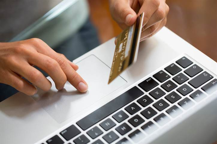 Government launches inquiry into online retail