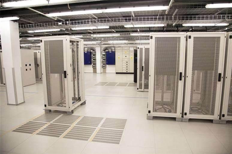 Macquarie Telecom profit plummets