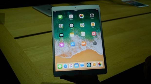Hands-on with Apple's new 10.5in iPad Pro