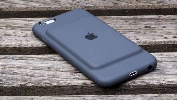Apple is investigating the iPhone battery bug that misleads users about their phones