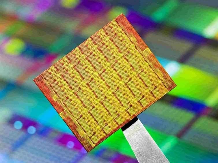 Intel outlines 1000-core processor