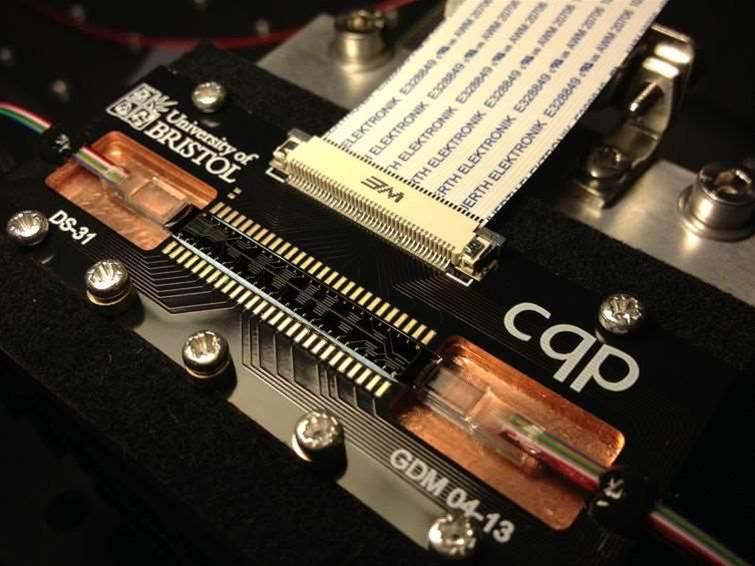 Qcloud: the Raspberry Pi of quantum computing