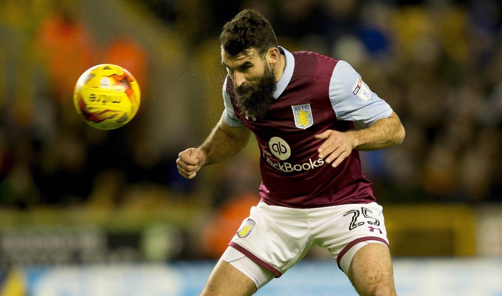 Jedinak return boost for Roos
