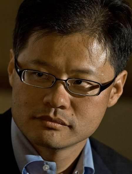 Yahoo! co-founder Yang exits company