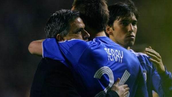Mourinho: No guarantees on Terry's future