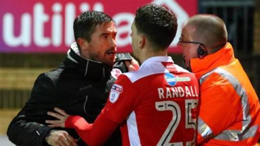 Kewell makes statement after bust-up with fans