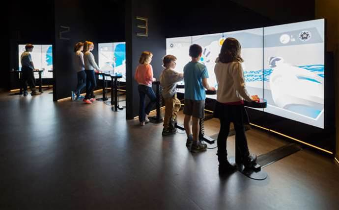 National Museum's new high-tech exhibit mixes robots with dinosaurs