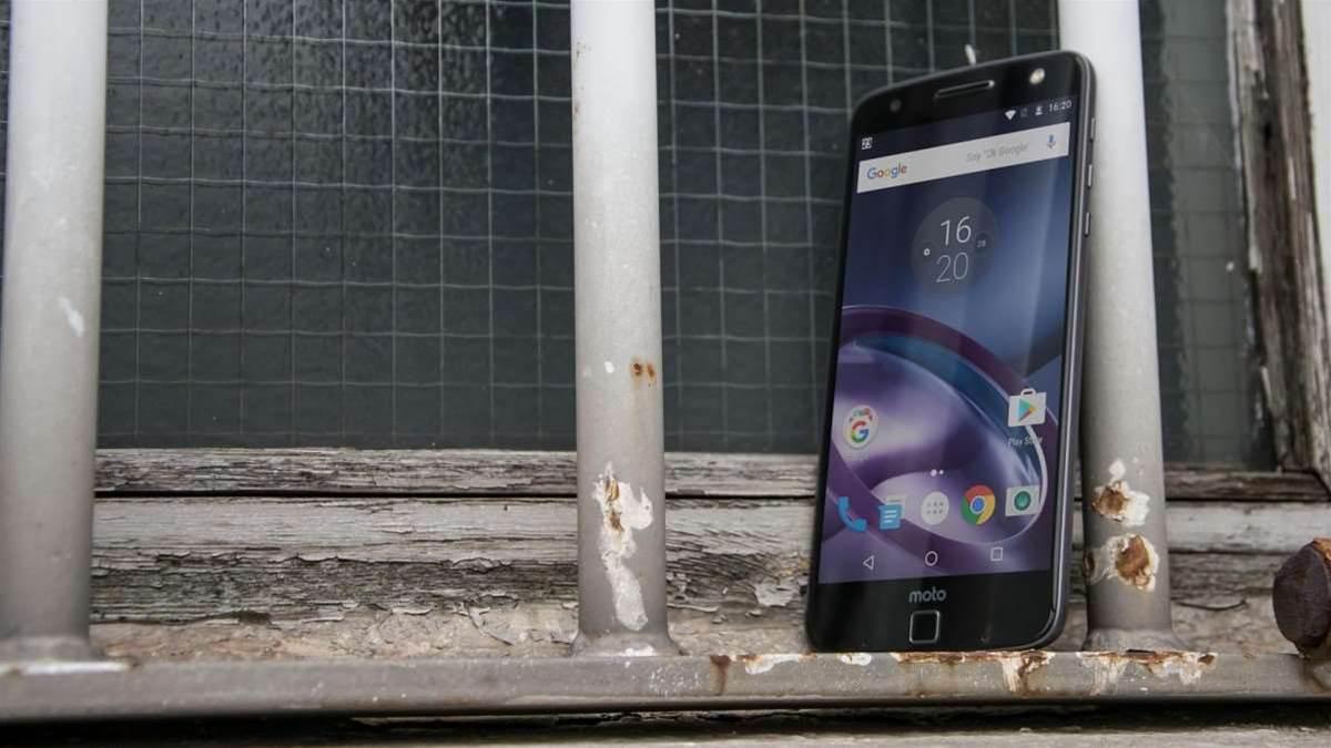 Lenovo's modular Moto Z phones reviewed