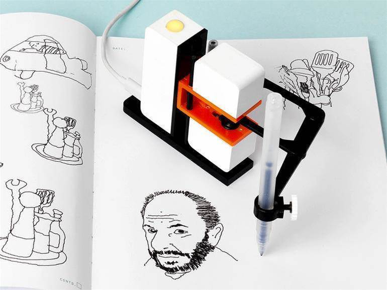 Line-us is a robot arm that'll doodle just like you