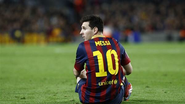 Martino defends Messi as Alexis shines on
