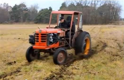 Super Tractor Messes with our Eyes!