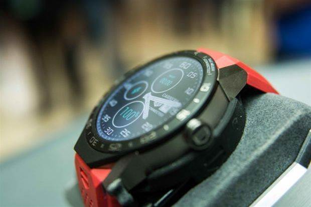 Has Tag Heuer made the industry's first hybrid smartwatch?