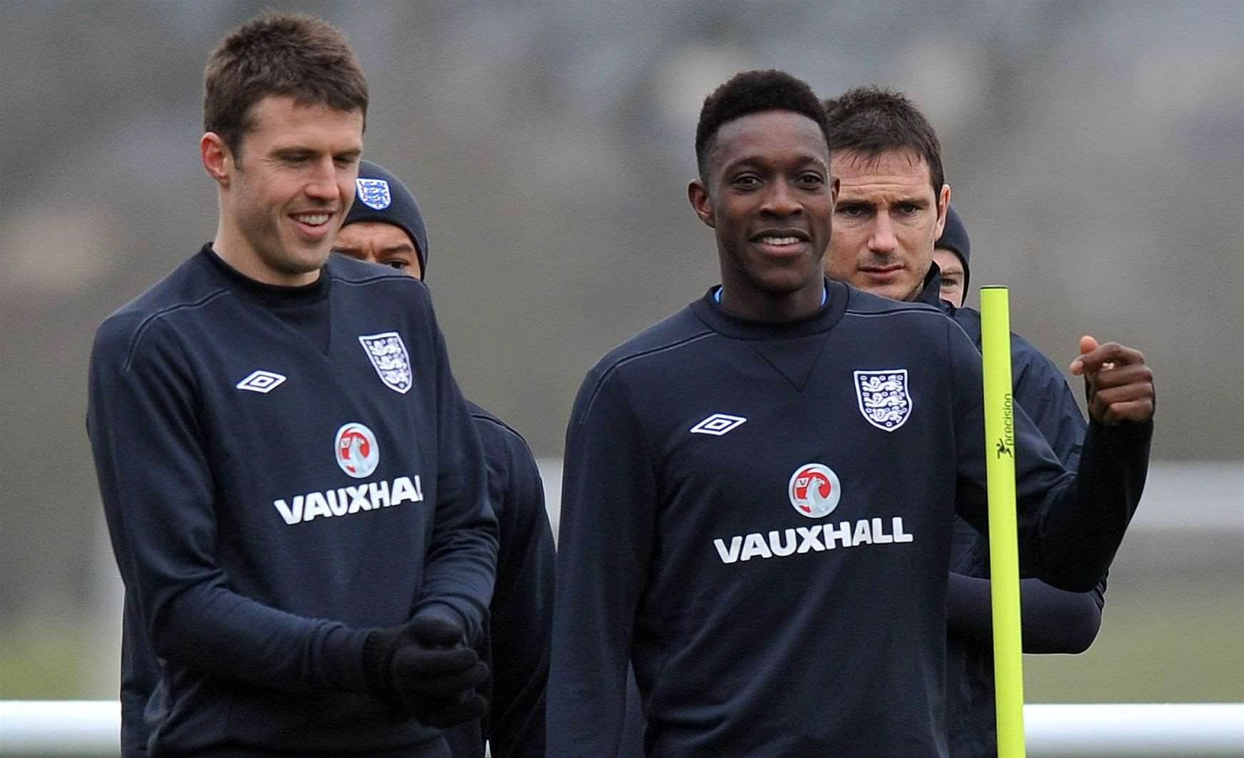 Carrick, Welbeck out of England squad