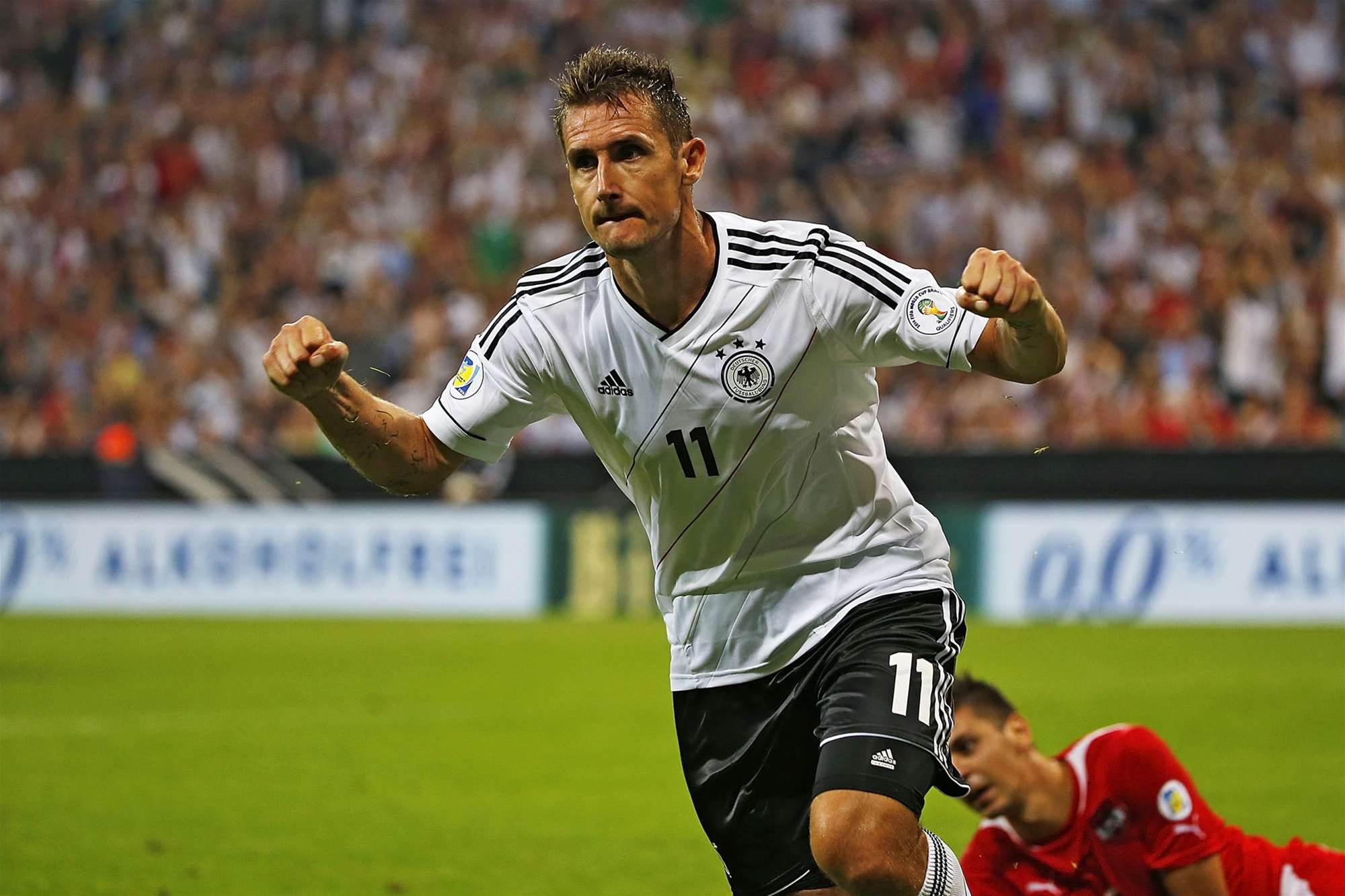 "Klose labels Gerd Muller comparisons a ""joke"""
