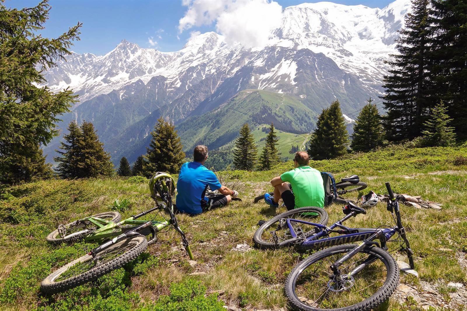 Mountain biking the Massif