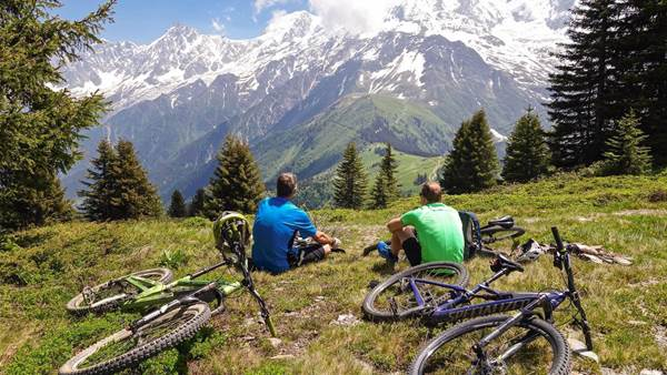 Mountain biking the Massif